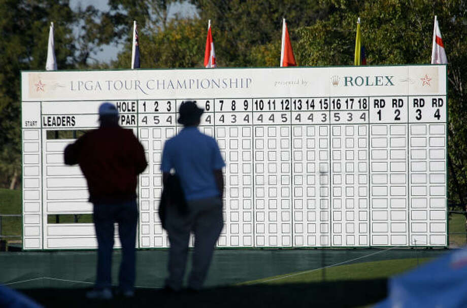 The scoreboard beside the 18th green awaits the results of today's first round, which begins at 7 a.m., with the last groups teeing off at 12:50 p.m. Photo: Melissa Phillip, Chronicle