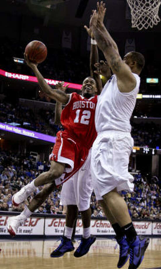 Houston guard Aubrey Coleman scored 35 points in his return from a one-game suspension. Photo: Lance Murphey, AP