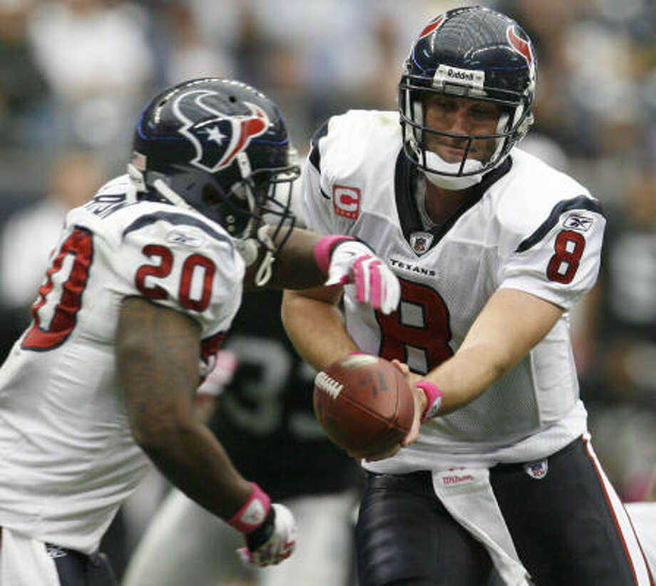 The running game of the Texans has some room for improvement, John McClain writes. Photo: Karen Warren, Houston Chronicle