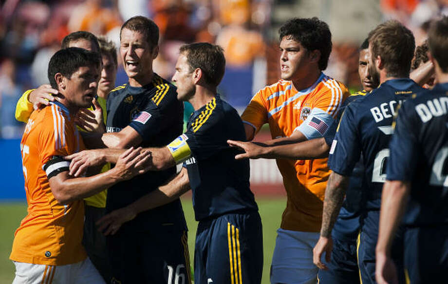 The last meeting between the Dynamo and Galaxy, an Oct. 18 match at Robertson Stadium, was a heated affair. Photo: Smiley N. Pool, Chronicle