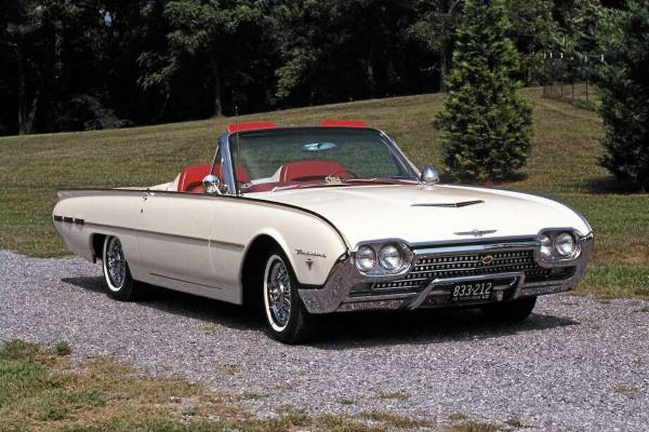 Only 1,427 Ford Sports Roadster Thunderbirds were manufactured in 1962, each one with a base price of $5,439.