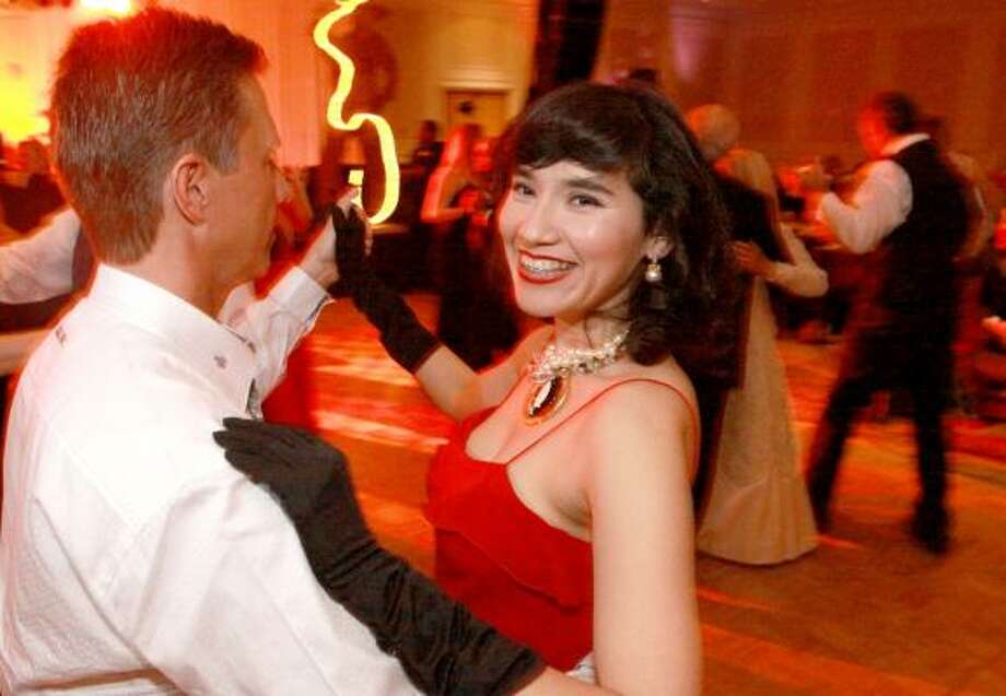 Rachel Estrada and Daryl Nelson dance at the 29th Annual Friends of the Stehlin Foundation Gala benefiting cancer research. Photo: Bill Olive