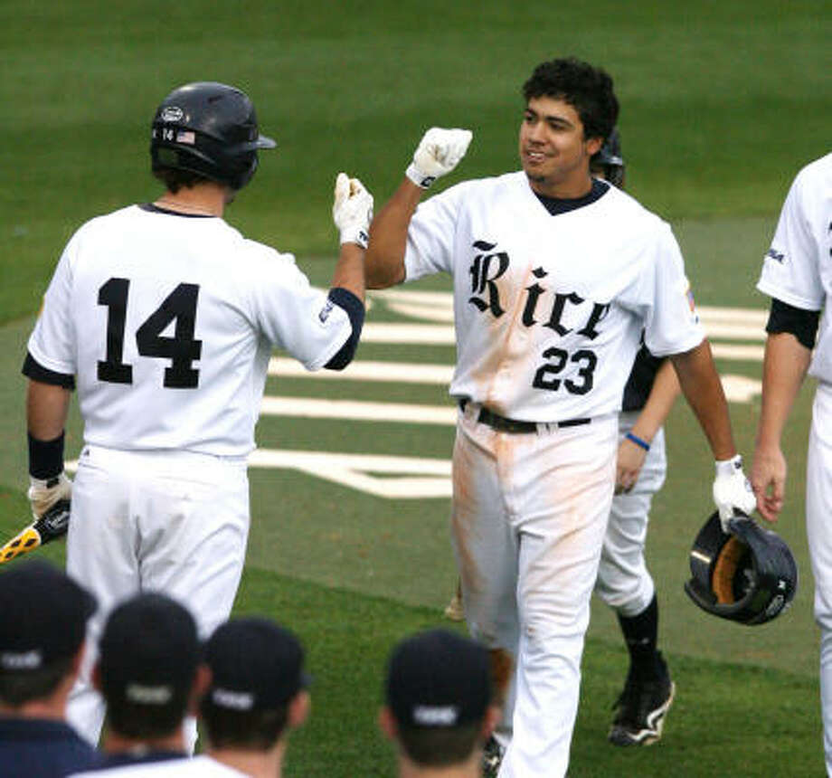 Rice third baseman Anthony Rendon's solo home run was one of the Owls' five hits in the loss. Photo: Billy Smith II, Houston Chronicle