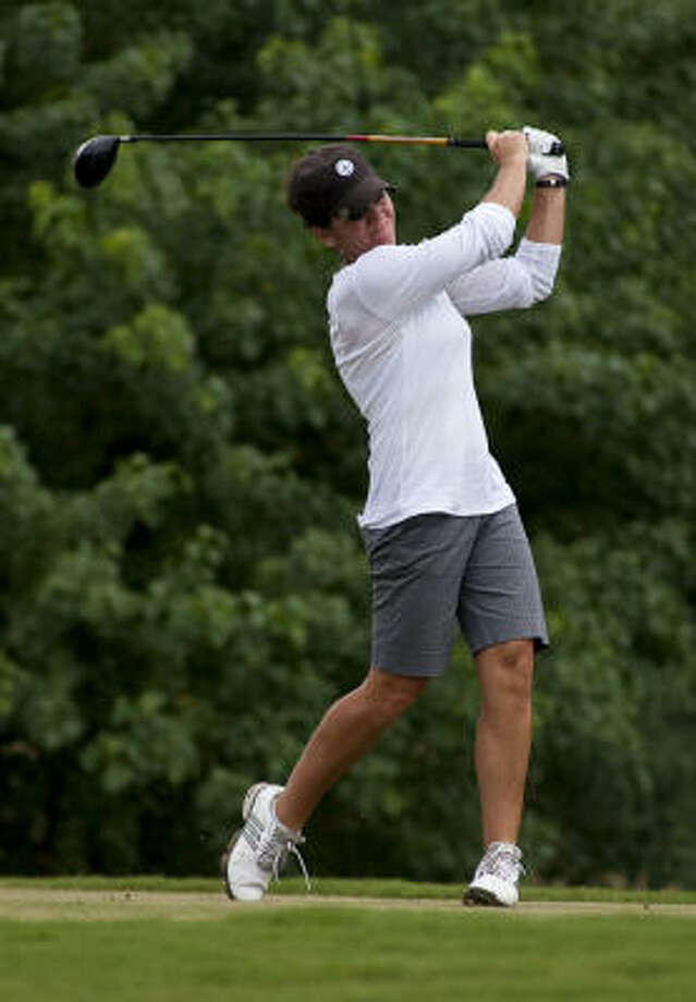 Robin Burke, who opened with a women's tournament course-record 66, had to settle for a 5-over 77 and a 36-hole total of 1-under-par 143. Photo: Nathan Lindstrom, For The Chronicle