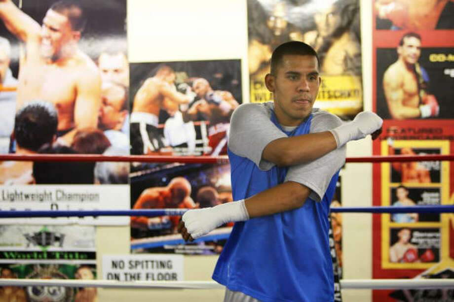 Juan Díaz entrena en el Savannah Boxing Club de  Houston. Photo: Mayra Beltran, Chronicle