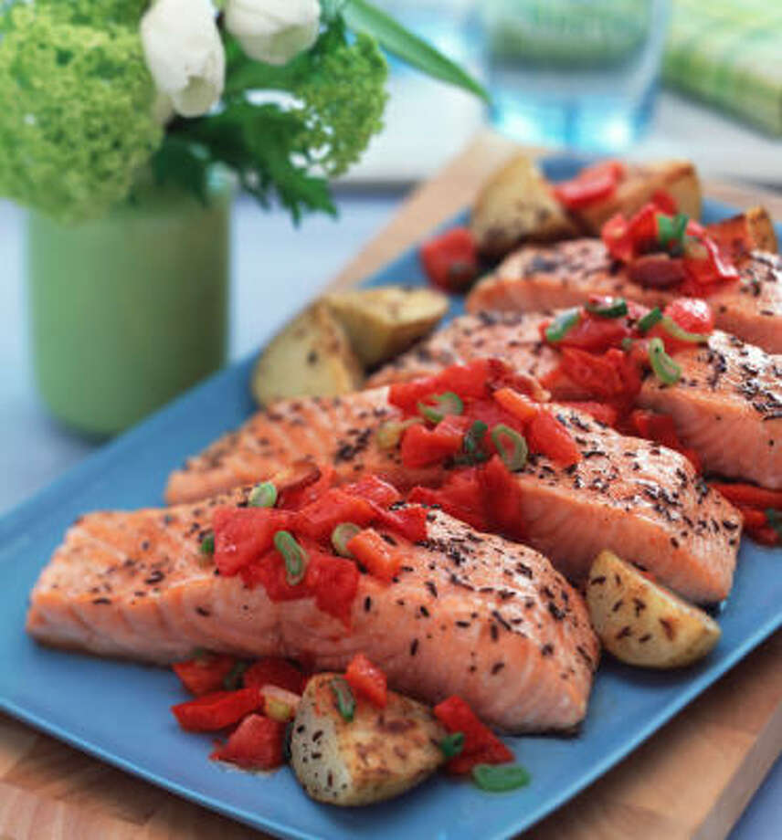 Caraway-Dill Salmon with Roasted Potatoes Photo: McCORMICK