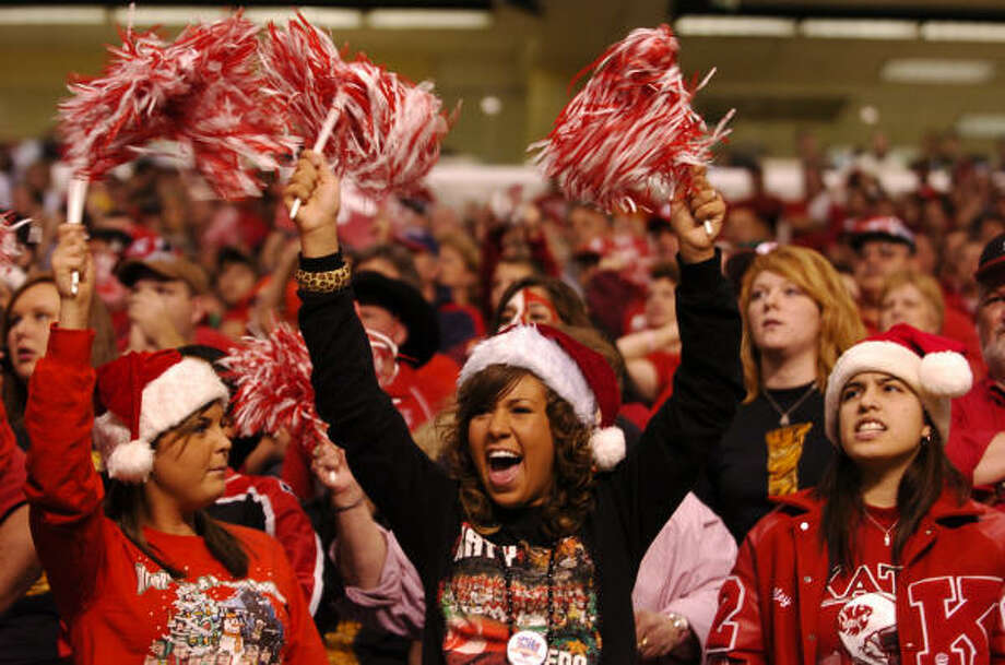 Katy fans celebrated the Tigers' 2007 state championship win over Pflugerville in the Alamodome in San Antonio. The 5A title games return to the Alamodome this December after taking place at Reliant Stadium last year. Photo: Ronnie Montgomery, For The Chronicle
