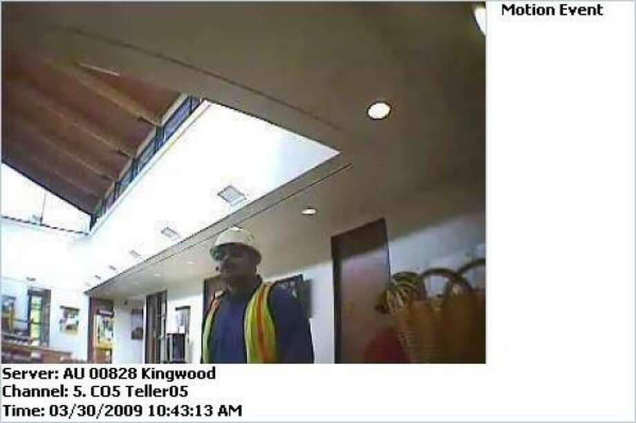 The robber dressed as a construction worker while robbing a bank in Kingwood this week. Photo: FBI
