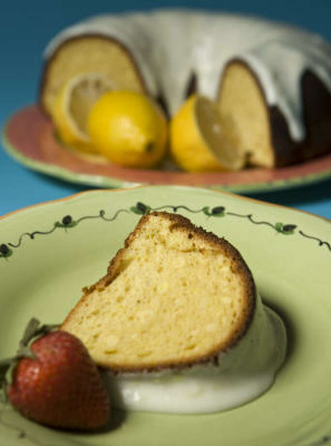 Double Lemon Pound Cake Photo: NICK De La TORRE, Chronicle