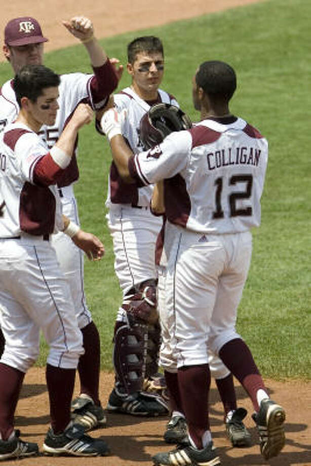 Kyle Colligan opened the scoring with a solo home run in the fourth inning of Texas A&M's 3-0 win. Photo: Alonzo Adams, AP