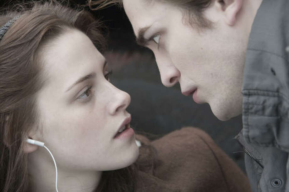 Kristen Stewart and Robert Pattinson star i9n the vampire romance Twilight, which comes out on DVD at midnight Saturday. Photo: Peter Sorel, Summit Entertainment