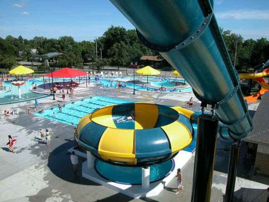 ROUND AND ROUND: This bowl slide at the Riverside Beach Family Aquatic Center in Independence, Kan., is one of several attractions the new Pirate Bay water park will have. The park is scheduled to be open by May 2010. Photo: ALL