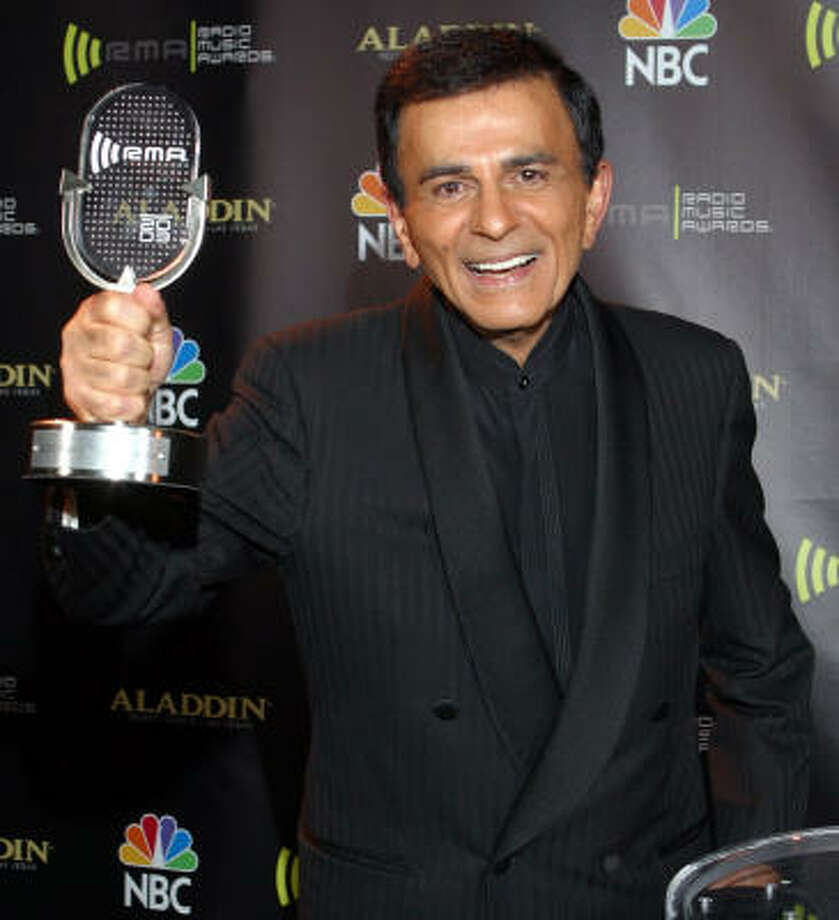 Casey Kasem, who received the Radio Icon award in 2003, pioneered a show that stood out despite being square. By playing the Top 40 every week, it gave many people a greater variety of music, and it also was a source of celebrity gossip. Photo: ASSOCIATED PRESS FILE
