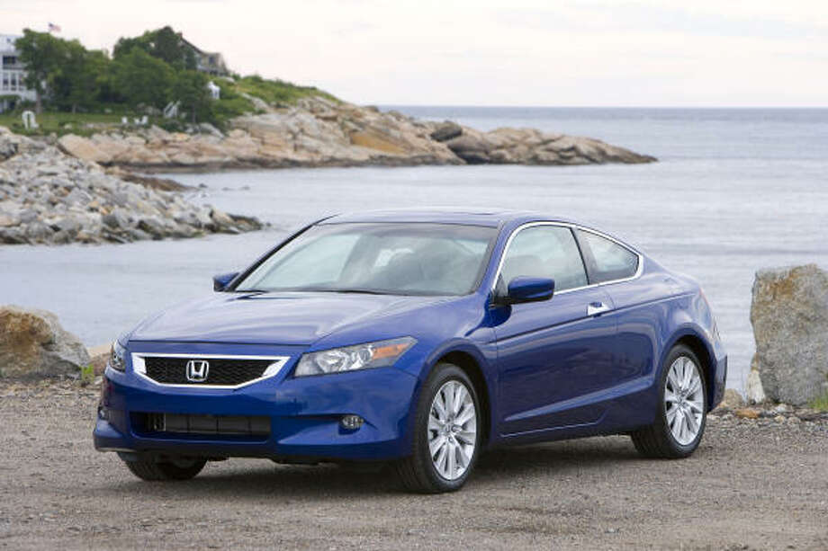 Honda's new-design 2009 Accord Coupe EX-L V-6 is base priced at $28,955. Photo: Wieck