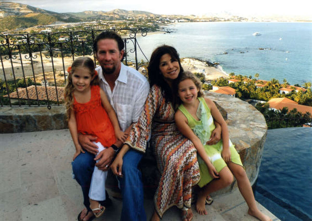 Life after baseball has its perks for Jeff Bagwell, who enjoys time at a second home in Cabo San Lucas, Mexico.