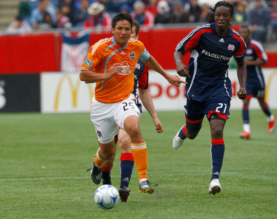 Brian Ching and the Dynamo go for their third straight win when they face FC Dallas. Photo: Jim Rogash, Getty Images