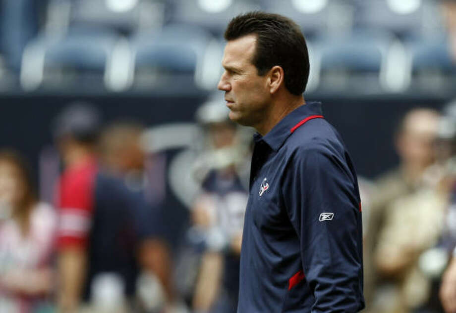 Gary Kubiak is 27-32 in three-plus seasons with the Texans. Photo: Johnny Hanson, Chronicle