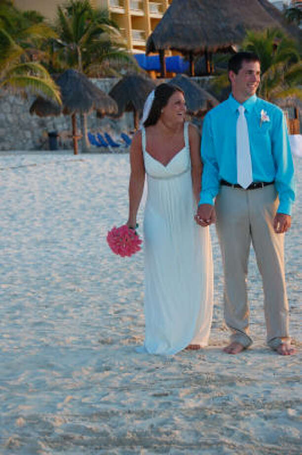 A couple gets married on the beach at Fiesta Americana in Cozumel in the Yucatan, Mexico. Photo: Melissa Ward Aguilar, Chronicle