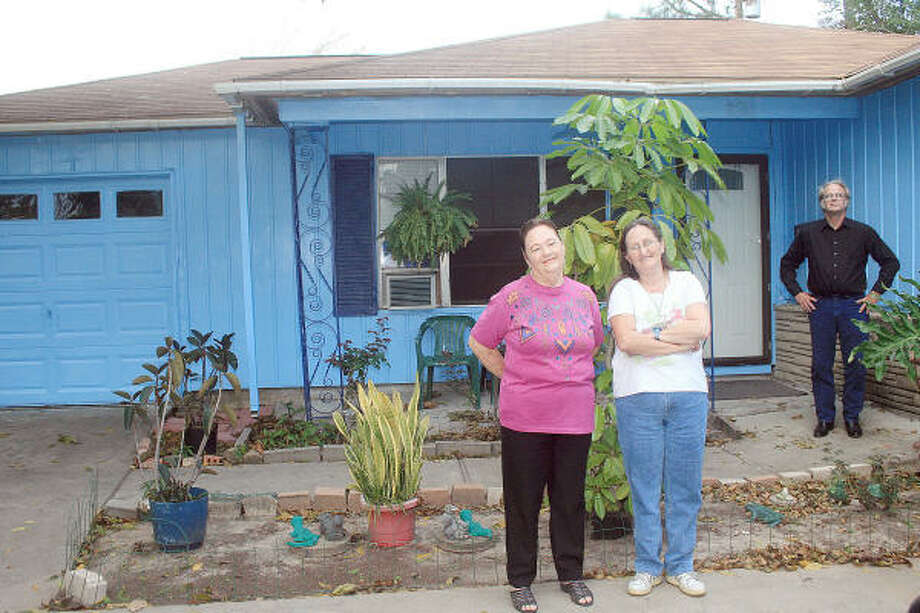 Maxine Edwards, Linda McDaniel and Bruce McDaniel purchased this home in Pasadena. Photo: Pin Lim, For The Chronicle