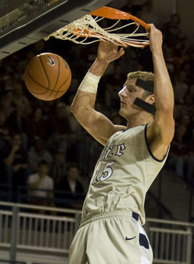 Rice center Trey Stanton and the Owls understand the importance of the UH-dominated rivalry, in which Rice has a 14-53 record. Photo: James Nielsen, Houston Chronicle