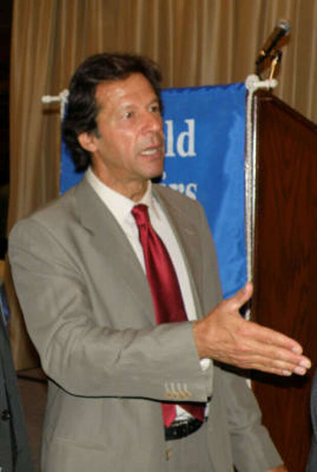 Imran Khan, a former athlete turned politician, discussed Pakistan's future during a luncheon hosted by the World Affairs Council of Houston. Photo: World Affairs Council Of Houston