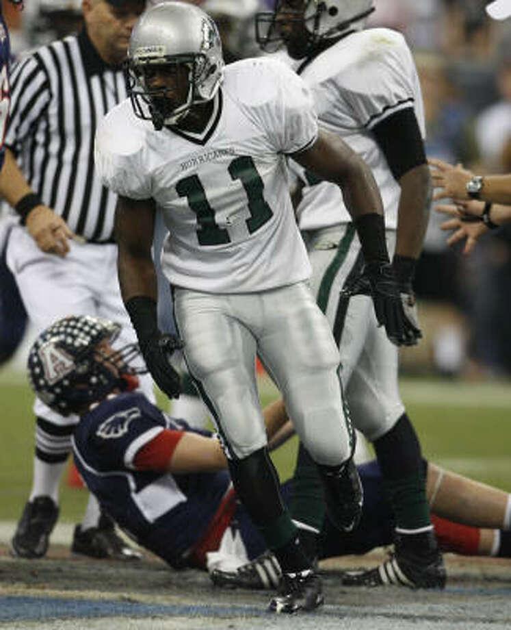 Hightower linebacker Shaun Lewis is one of the top seniors in the Houston area. Photo: Karen Warren, Houston Chronicle
