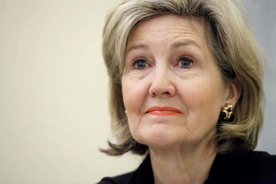 """Sen Kay Bailey Hutchison held a """"tax day"""" news conference in Dallas and then flew to Houston for a fundraiser. Taxpayers paid for the Houston flight, and her campaign paid the return fare. Photo: Chip Somodevilla, Getty Images"""