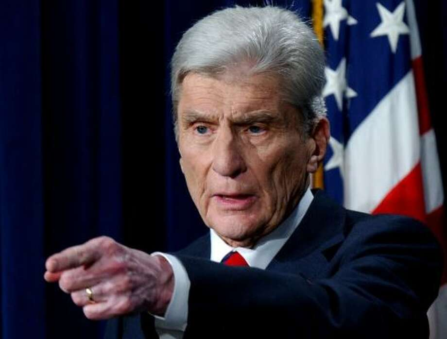 Instinct, plus a bit of disappointment in the Republican Party, told Sen. John Warner it was time to cede the political spotlight to others. He plans to tend to the rose bushes at his farm near the nation's capital and indulge in his passion for painting. Photo: DENNIS COOK, ASSOCIATED PRESS