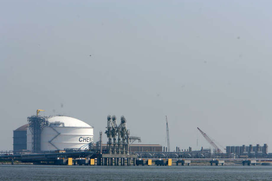 QUIET TIMES: Business has been slow at Cheniere Energy's new Sabine Pass liquefied national gas terminal, but new LNG production abroad may increase imports to Sabine Pass and other U.S. terminals. Photo: Nick  De La Torre, Houston Chronicle