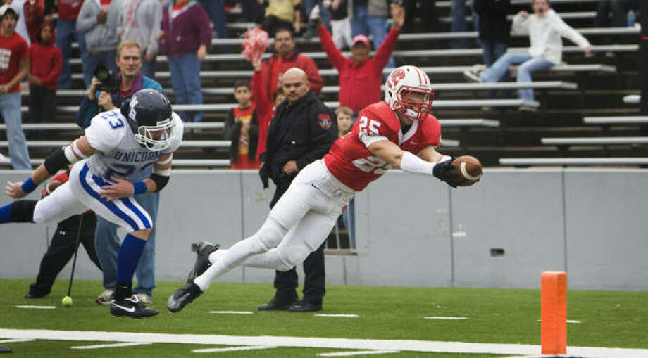 Katy's Sam Holl has scored a touchdown in each of the last four games via interception and punt returns. Photo: Smiley N. Pool, Chronicle
