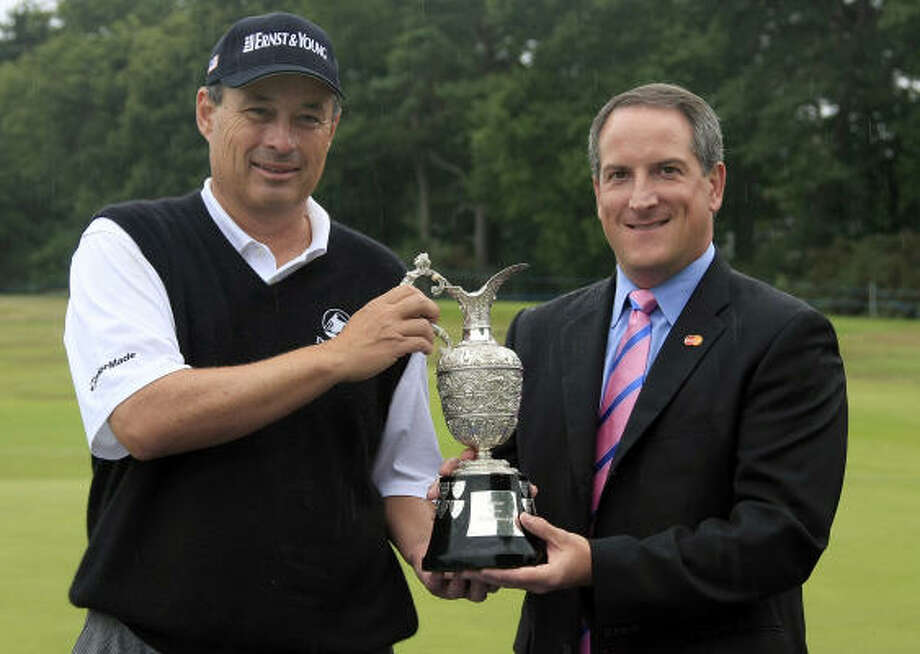 Loren Roberts' victory earned him a spot in next year's British Open at St. Andrews. Photo: Phil Inglis, Getty Images