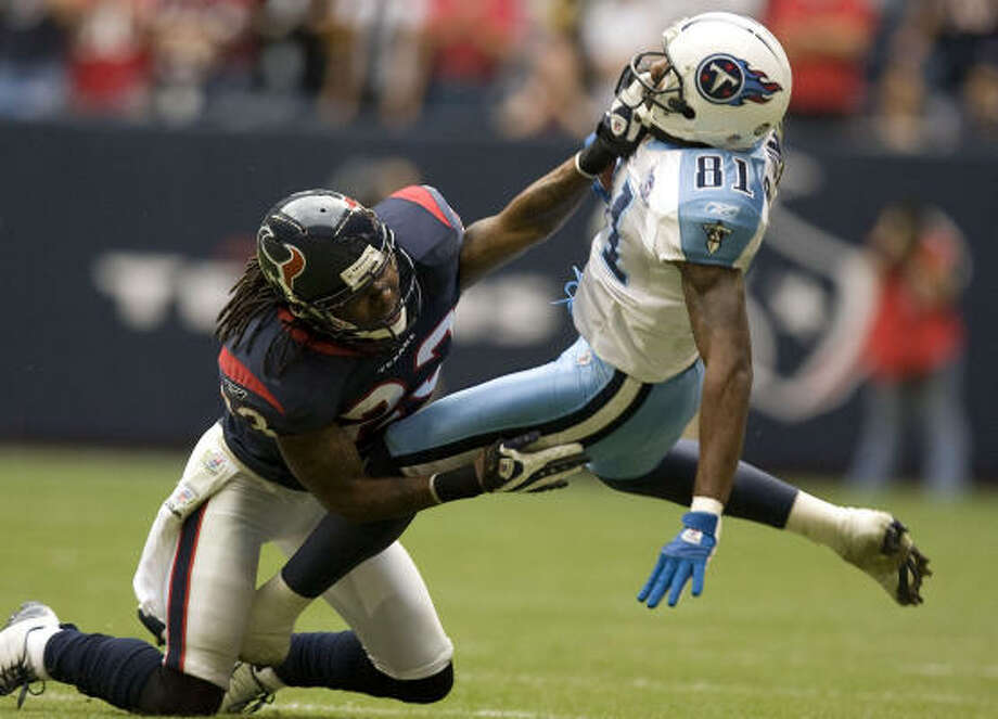 The Texans placed the franchise tag on cornerback Dunta Robinson in February. Photo: James Nielsen, Chronicle