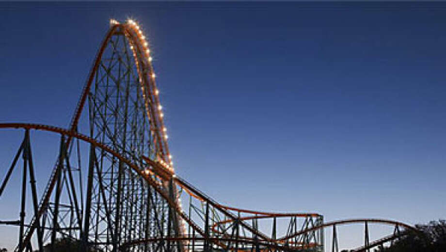 VIP guides give visitors tips and facts about the parks. Photo: SIX FLAGS OVER TEXAS