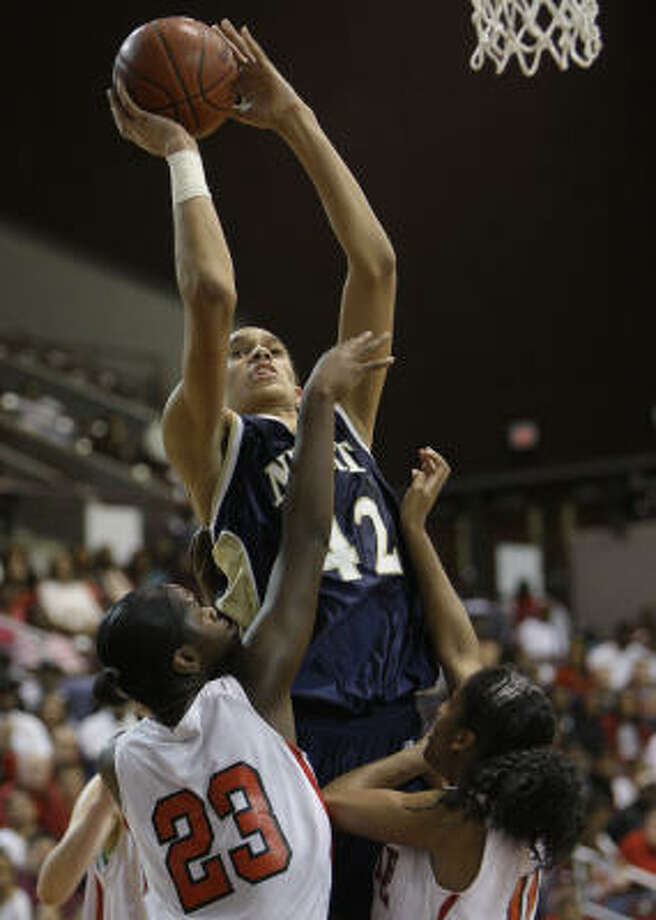 Nimitz's Brittney Griner had 22 points, seven rebounds and seven blocks against Bellaire. Photo: Melissa Phillip, Chronicle
