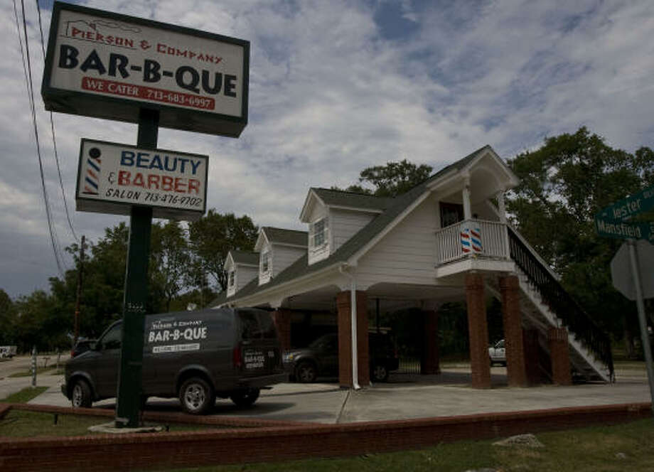 Pierson & Company Bar-B-Que is located on West T.C. Jester and Mansfield. Photo: James Nielsen :, Chronicle