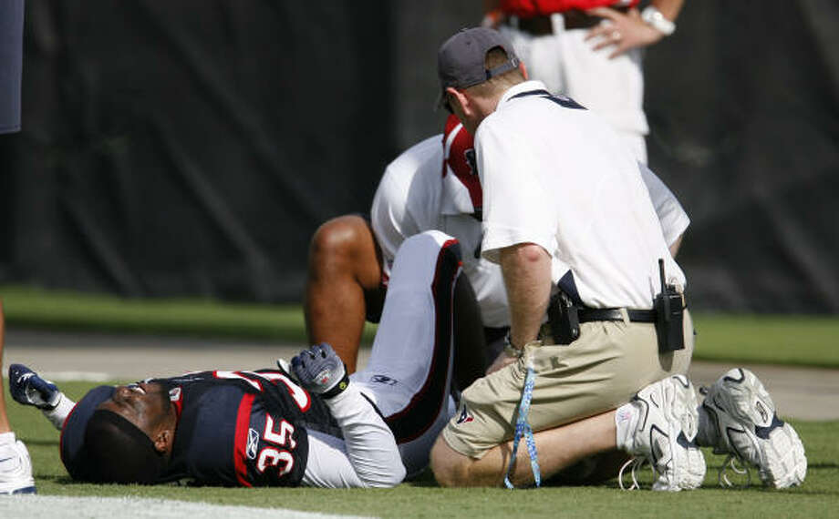 Texans cornerback Jacques Reeves suffered a broken leg Aug. 4 during training camp, and now may be further hampered by a hand injury. Photo: Karen Warren, Chronicle