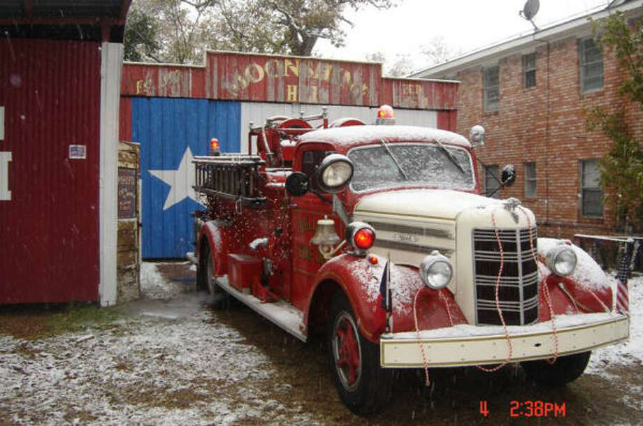 Clinton and Teresa Johnson's 1948 Mack fire truck is a 500-gallon-per-minute pumper. It was purchased originally by the City of Bellaire Fire Department, where it served faithfully through 1969.