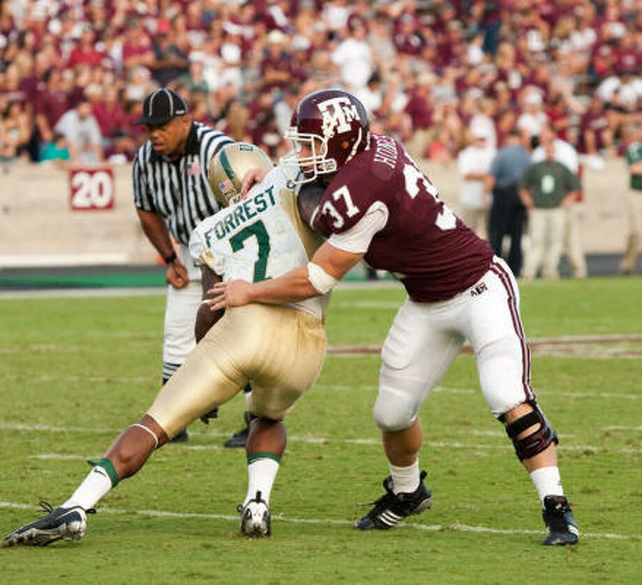 Michael Hodges, a 6-foot, 226-pound junior, has started three games at middle linebacker for the Aggies. Photo: Glen Johnson, Texas A&M Athletics