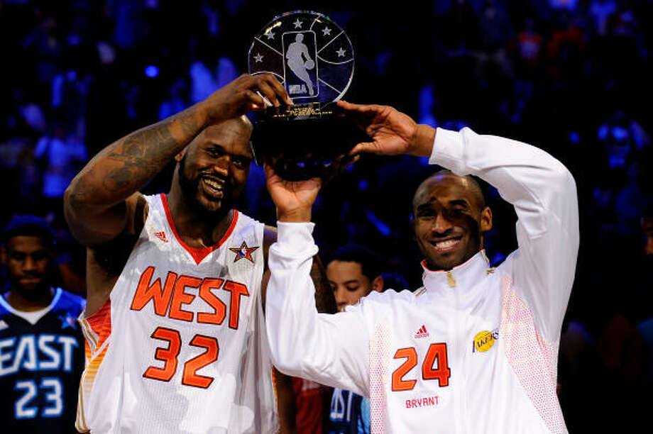 Shaquille O'Neal, left, and Kobe Bryant played nice in sharing the MVP award. Photo: Kevork Djansezian, Getty Images