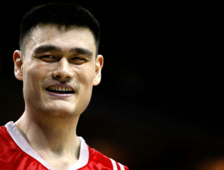 Rockets center Yao Ming had 20 points on 10-of-17 shooting and nine rebounds in Thursday's 115-98 win over the Sacramento Kings. Photo: Streeter Lecka, Getty Images
