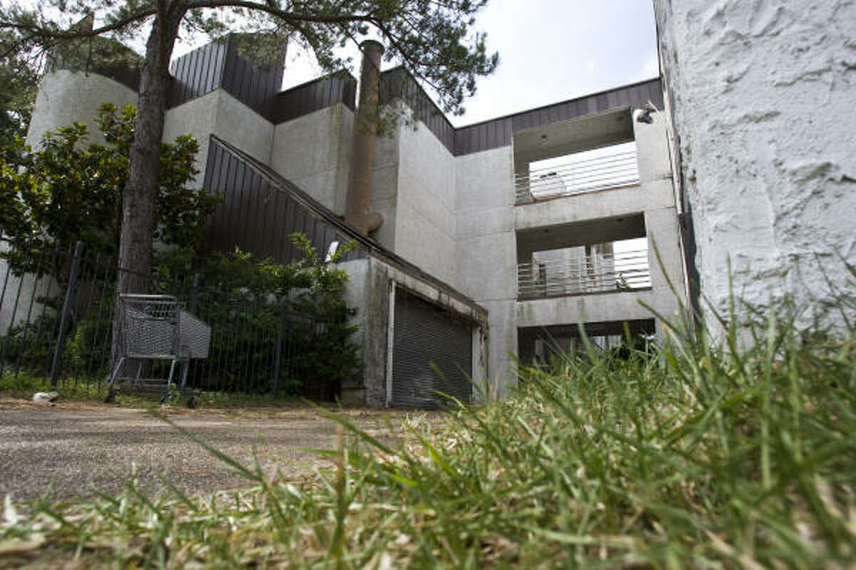 The Candlelight Trails condos have been empty for two years, but a bill passed by the Legislature could make it easier for the city to get authority to demolish such properties.