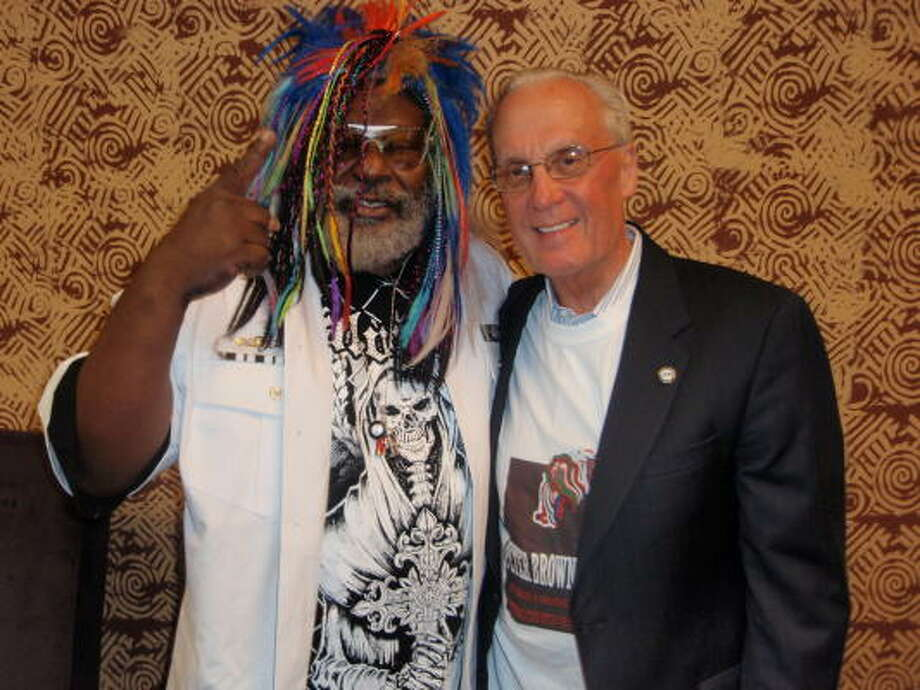 George Clinton found a moment backstage at the House of Blues before his Parliament Funkadelic concert to show how he rates Peter Brown as a Houston mayoral candidate. Photo: Alan Bernstein, Chronicle