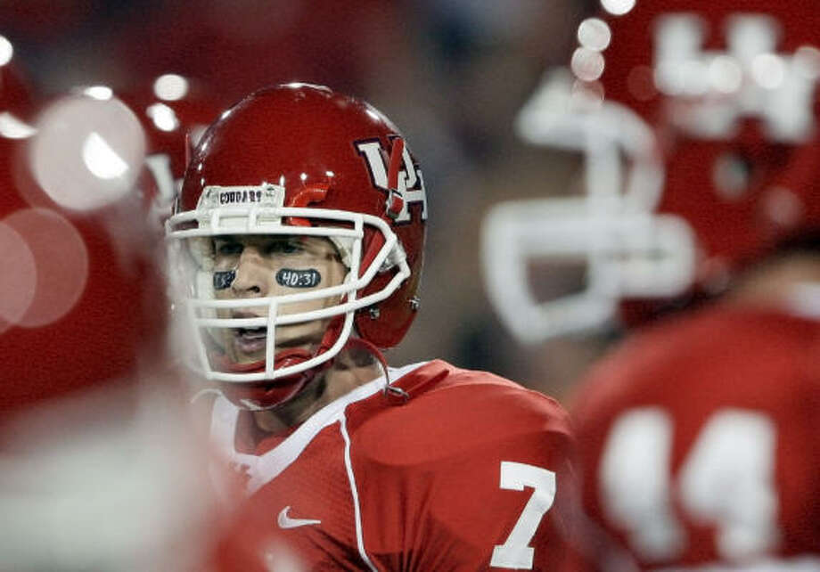 Isaiah 40:31 was on Case Keenum's eye black during the wins over Oklahoma State and Texas Tech. Photo: David J. Phillip, AP