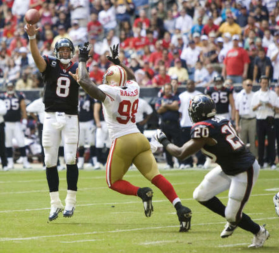 The Texans often threw it on first down, and at one point, Gary Kubiak and Kyle Shanahan had called 25 passes, 13 runs. Photo: Brett Coomer, Chronicle
