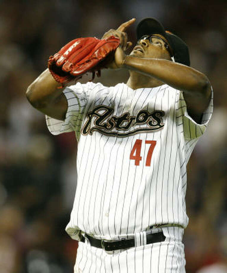 Jose Valverde compiled a 2.33 ERA and 25 saves in an injury-shortened season in 2009. Photo: Julio Cortez, Houston Chronicle