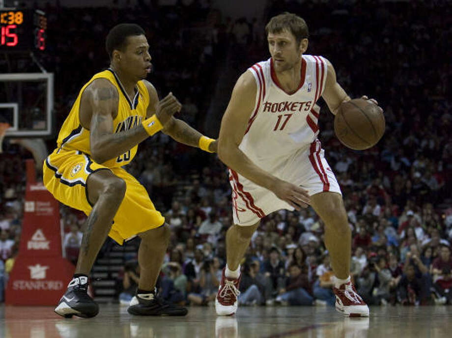 Brent Barry has one more season, worth $2.062 million, left on the two-year contract he signed with the Rockets on July 10, 2008. Photo: James Nielsen, Chronicle