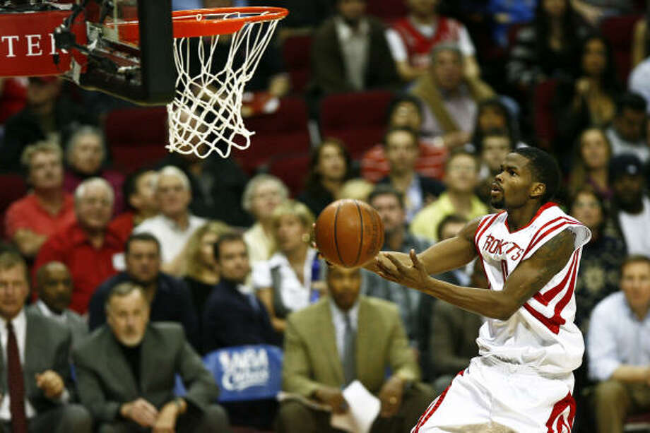 Aaron Brooks has averaged 13 points per game as a starter, mostly since the Rafer Alston trade. Photo: Michael Paulsen, Houston Chronicle