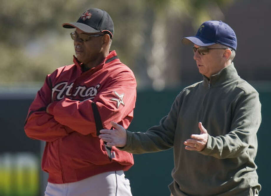 Astros manager Cecil Cooper (left) has come under criticism from some players. Photo: James Nielsen, Houston Chronicle