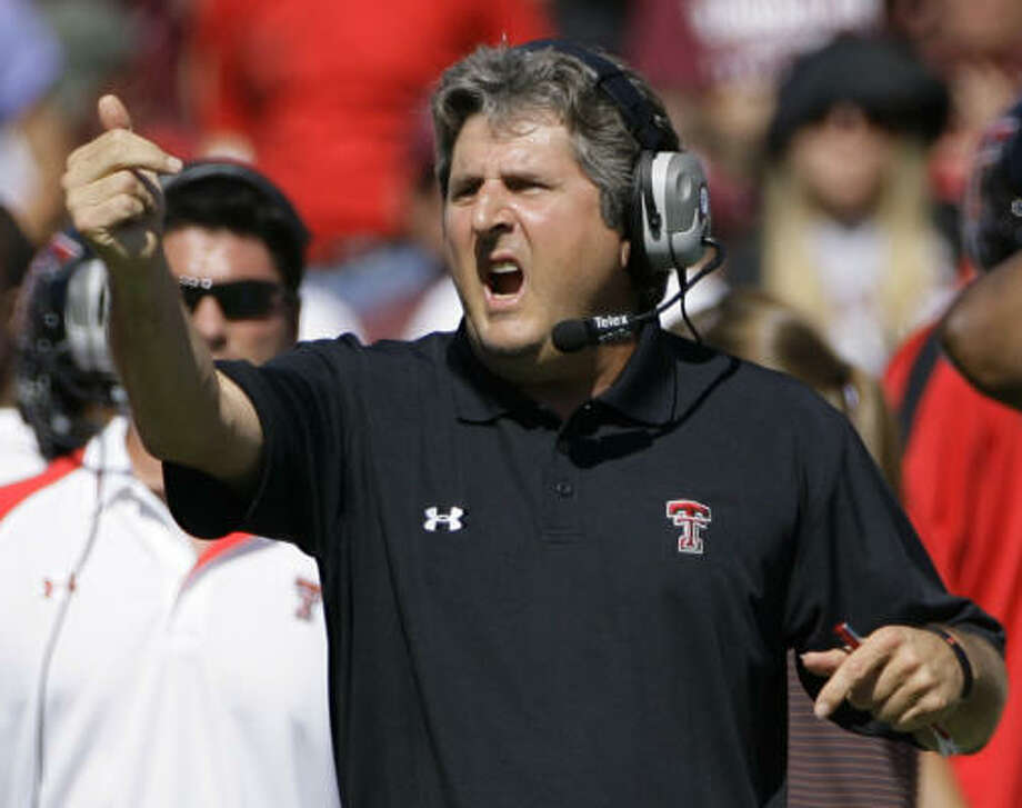 Texas Tech coach Mike Leach has not let graduations and NFL defections stop his offense from piling up big numbers year after year. Photo: Matt Slocum, AP