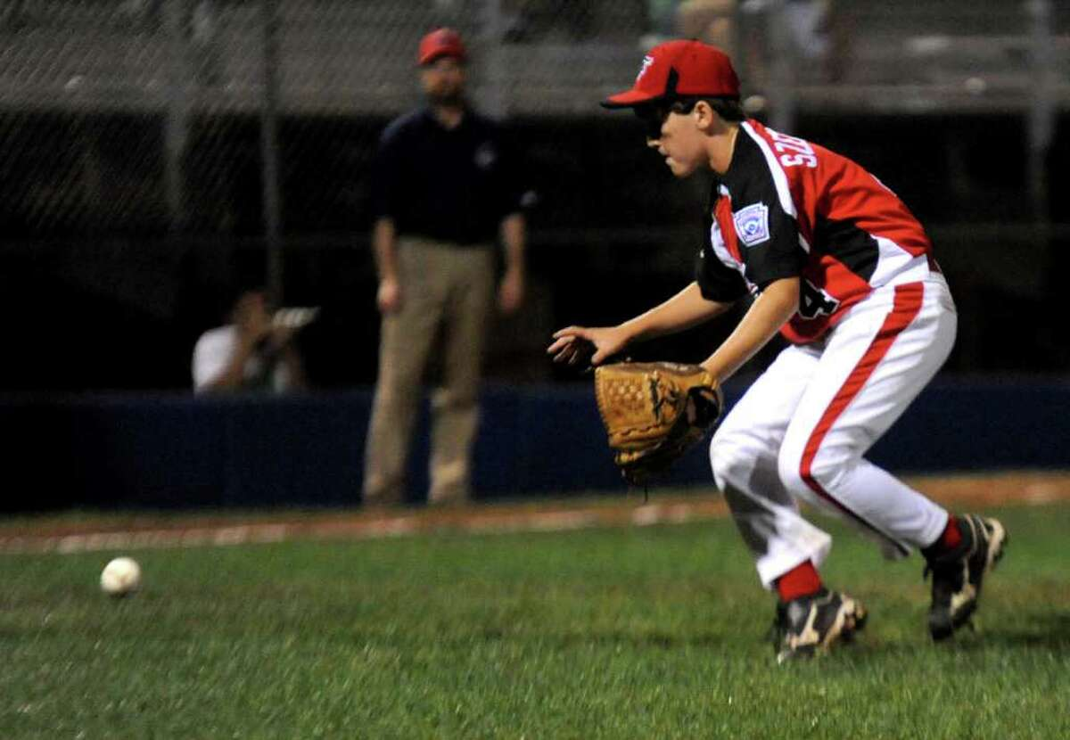 Fairfield American Little League's Reed Szemplinksi plays against Vermont during the Eastern Region Tournament at Breen Field in Bristol, Conn., on Friday, August 5, 2011.